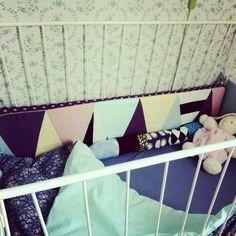 Sengerand Kidsroom, Interior Inspiration, Clothes Hanger, Activities, Sewing, Rooms, Ideas, Children, Bedroom Kids