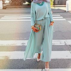 "4,711 Likes, 13 Comments - chic hijab ﷽ (@chichijab) on Instagram: ""@hijabisglam #chichijab"""