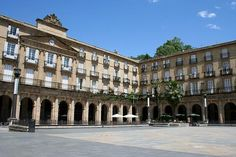la plaza nueva de Bilbao