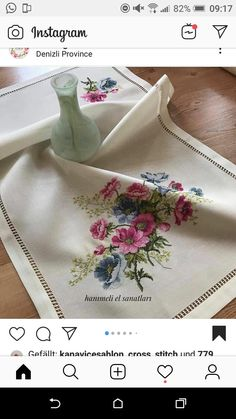 Cross Stitch Rose, Cross Stitch Flowers, Interior Design Living Room, Living Room Decor, Embroidery, Instagram, Traditional, Poppies, Cross Stitch Embroidery