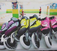 Esto no se acaba hasta que tú ganes!! LIVIANOS, FUERTES, RÁPIDOS. #Repost 📸 @checker_inline ・・・ #bont | #bontskates | #checker | #checkersport | #checkerinlineskatingschool | #inlineskating | #inlinespeedskating | #lighterstrongerfaster | #bontsuramerica | #Jet | #alpha | #patinajedecarreras | #skating | #patinajedevelocidad | #skate Speed Skates, Skating, Roller Blading, Forts, Racing, Ice Skating