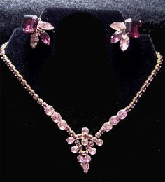 Gorgeous vintage necklace & earrings