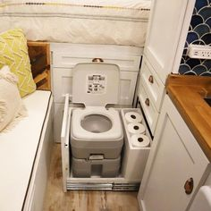 found that this is a great system to storage the toilet, very functional and comfortable. Where do you storage yours?…We found that this is a great system to storage the toilet, very functional and comfortable. Where do you storage yours? Van Conversion Interior, Camper Van Conversion Diy, Van Conversion Toilet, Cargo Trailer Conversion, Casa Top, Build A Camper, Kombi Home, Tiny House Storage, Smart Storage