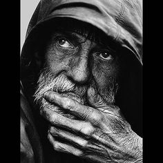 A portrait of a homeless man Leroy Skalstad (Milwaukee, WI (via Photo Contest Finalist - A portrait of a homeless man Black And White Portraits, Black White Photos, Black And White Photography, Homeless People, Homeless Man, Robert Mapplethorpe, Old Faces, The Face, Bible Love