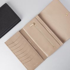 Cuyana  Leather Travel Wallet  Stone