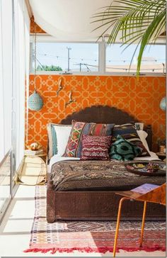 Midcentury room, moroccan decor