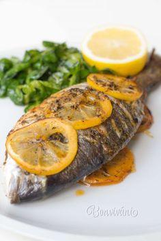 Pražma kráľovská (tiež doráda) je typická stredomorská ryba, ktorú že vraj starí grékovia zasvätili bohyni Afrodite. Má jemné, chutné, biele mäsko a neobsahuje až tak veľa kostí. Preto je pomerne obľúbená ideálna na grilovanie. Netreba ju preplácať príliš rôznymi surovinami, aby ste si mohli vychutnať jej prirodzenú chuť.