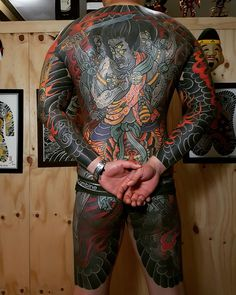 Search inspiration for a Japanese tattoo. Asian Tattoos, Back Tattoos, Hot Tattoos, Body Art Tattoos, Sleeve Tattoos, Tattoo Sleeves, Body Painting, Alone Tattoo, Japanese Tattoo Art