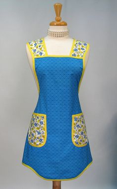 love this style of apron, reminds me of something, but not sure what... I Love Lucy??  I don't know...
