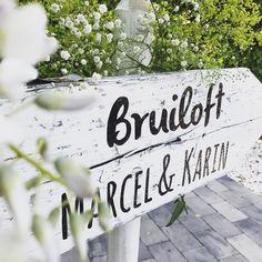 Handgemaakte wegwijzer • Bruiloft • Wedding • Weddingsign • studiosproet.com