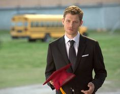 'The Vampire Diaries': The return of Klaus to Mystic Falls teased http://sulia.com/channel/vampire-diaries/f/a3174034-45ed-44e1-a861-1e455ef94d10/?pinner=54575851&