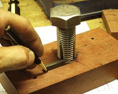 Shop-made Thread Cut Shop-made Thread Cutting Tools for Wood by Diego de Assis