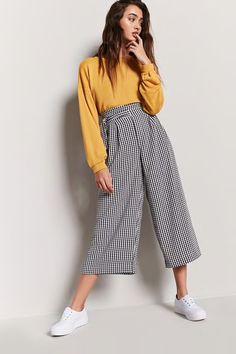 Pantalon large à imprimé vichy Look Fashion, Retro Fashion, Korean Fashion, Fashion Outfits, Womens Fashion, Fashion Details, Fall Fashion, Fashion Trends, Looks Style