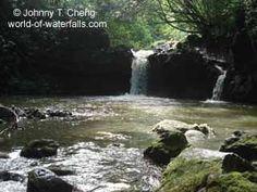The Nahiku Pond and waterfall