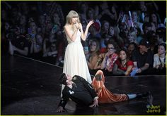 Taylor Swift: Mother's Day D.C. Concert Pics!
