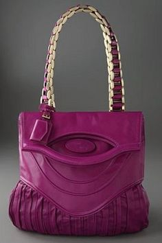 I don't normally like pink but love this Zac Posen shoulder bag