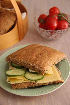 Rundstykker til matpakken - My Little Kitchen Norwegian Food, Italian Recipes, Side Dishes, Sandwiches, Kitchens, Food And Drink, Dinner, Norway, Cakes