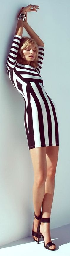Me encanta! #look #rayas #blanco y #negro #moda #fashion #glamour