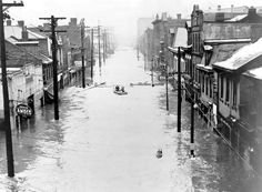 The Great Flood of 1936 - Flooding along Reedsdale Street on the North Side.