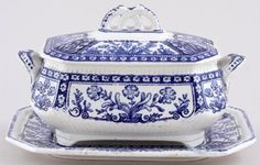 Burgess and Leigh Kaiser Sauce Tureen - Buy online from the specialists Blue And White China, Blue China, Kings Table, White Soup, Blue Onion, Beautiful Soup, White Dishes, Blue Plates, Glass Ceramic