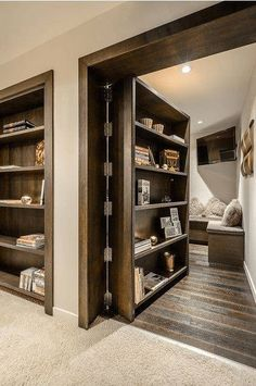 ukryty pokój, biblioteczka