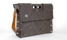 Carga 02 Felt briefcase / messenger.  Thks to Carga for replacing my bag.  Love it.  #cargabags
