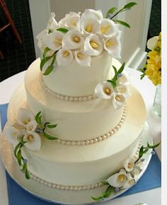 Calla Lily and Pearl Cake