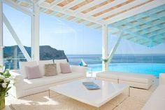 Mediterranean Paradise: Mallorcan Villa by Alberto Rubio Photo