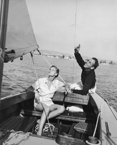 #HumphreyBogart and #LaurenBacall on their #boat, 1946 #farniente #sea #theredlist