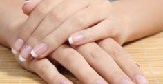 Ποτέ πια σπασμένα νύχια! Σπιτικές συνταγές για εύθραυστα και αδύναμα νύχια: http://biologikaorganikaproionta.com/health/243859/