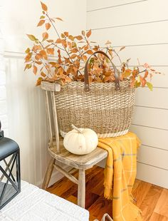How to Decorate with Real Branches for Fall. Easy fall decor ideas using fall branches and leaves. How to Decorate with Real Branches for Fall. Easy fall decor ideas using fall branches and leaves. Thanksgiving Decorations, Seasonal Decor, Holiday Decor, Fall Decorations, Autumn Decorating, Porch Decorating, Fall Decorating Outside, Fall Home Decor, Autumn Home