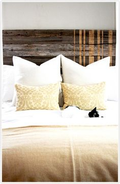 Since there's no way I can do this myself, I'll just dream about having a headboard like this one day.