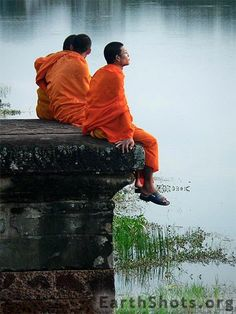 Contemplating Beauty . Cambodia