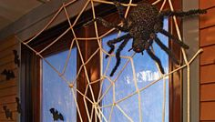 DIY Halloween Crafts : DIY Creepy-Crawly Spider Web