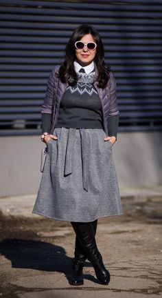 50 shades of grey: grey skirt, midi skirt, grey sweater, grey jacket, boots, winter outfit