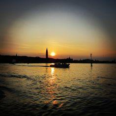 #sunset #Venice #Italy #sea #colours #nature #boat #sky #amazing #tramonto #landscape Ph. Jessica Vancini