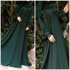 Emerald abaya with brocade Hijab Gown, Hijab Style Dress, Muslim Wedding Dresses, Muslim Dress, Wedding Abaya, Cute Maxi Dress, Beautiful Maxi Dresses, Islamic Fashion, Muslim Fashion