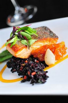 Pan Seared Scottish Salmon with forbidden wild rice, haricot verts, pearl onion, pineapple kumquat chutney. Fish Recipes, Seafood Recipes, Gourmet Recipes, Cooking Recipes, Healthy Recipes, Gourmet Desserts, Gourmet Foods, Plated Desserts, Fancy Food Presentation
