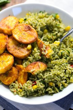 with Corn Green Mexican Rice with Corn - the perfect simple summer side! Rice Recipes, Mexican Food Recipes, Whole Food Recipes, Vegetarian Recipes, Cooking Recipes, Healthy Recipes, Recipies, Rice With Corn, Clean Eating