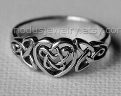 Heart Knot Ring - love knot ring - Infinity Heart ring - Celtic heart knot ring - Recycled Sterling Silver 925 - Jewelry by Katstudio Celtic Heart Knot, Celtic Knot Ring, Celtic Rings, Rhinestone Jewelry, Sterling Silver Jewelry, Silver Rings, Silver Bracelets, 925 Silver, Tatoo