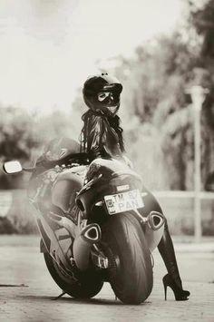 Wiiiide sport bike, heels, and full face helmet. Motorcycling women portraits are so fun. [ more photos motorcycle women and heels   full face helmet ]