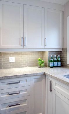 Supreme Kitchen Remodeling Choosing Your New Kitchen Countertops Ideas. Mind Blowing Kitchen Remodeling Choosing Your New Kitchen Countertops Ideas. White Kitchen Cabinets, Kitchen Redo, Kitchen Dining, Kitchen Ideas, Gray Cabinets, Cupboards, White Ikea Kitchen, Design Kitchen, Timber Kitchen