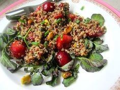 Stacey Snacks: Quinoa Salad w/ Cherries, Pistachios & Watercress Summer Recipes, Great Recipes, Favorite Recipes, Strawberry Avocado Salad, Slaw Dressing, Vegetarian Recipes, Healthy Recipes, Healthy Foods, Quinoa Salad