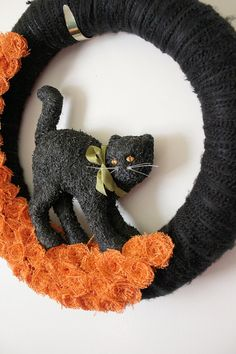 Black Cat Wreath Halloween Wreath Yarn Wreath by TheBakersDaughter, $70.00