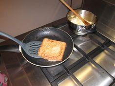 Wentelteefjes met bruin brood is lekker en gezond.