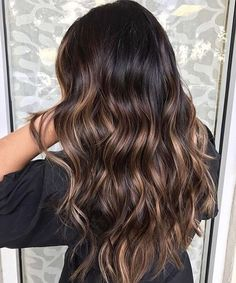 Dark root to caramel brown #haircolor #brunette #hairstyles #darkbrownhair #balayage
