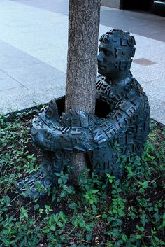Tree Hugger!!  Chicago by Alejandro Muñiz Delgado