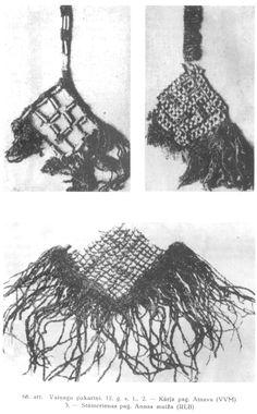 Latgaļu 12. gs. vainagu bizes. Latviešu tautas tērpu vēsture.- 2007.g. faksimilizdevums no 1936.g. izdevuma. 74. lpp.