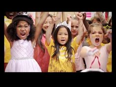 ▶ GoldieBlox Breaks into Toys R Us - YouTube