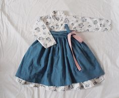 s Clothing Children' Korean Traditional Clothes, Traditional Fashion, Traditional Dresses, Korean Dress, Korean Outfits, Kids Outfits, Frocks For Girls, Little Girl Dresses, Girls Dresses